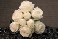 """PA10121WH Rose Bqt 6 Flowers 3 Buds (Nat Touch) White 18""""   ***INSTOCK***"""