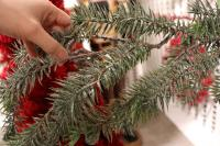 """XM12180GRFR Frosted Long Pine Garland Green Frost 72"""""""